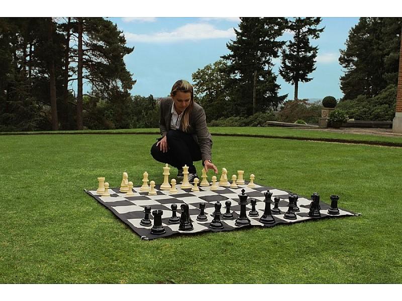 Σκάκι κήπου με  ύψος βασιλιά 20 εκ και πλαστικό δάπεδο 91 Χ 91 εκ.