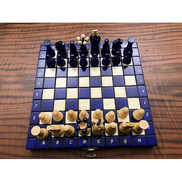 Ξύλινη σκακιέρα γυαλιστερή (glossy) Sereton μπλέ  - Διάσταση 24 Χ 24 εκ. με ξύλινα πιόνια
