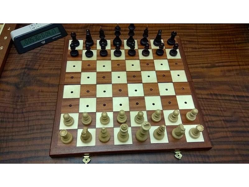 Σκακιέρα για τυφλούς σπαστή 35 Χ 35 εκ.