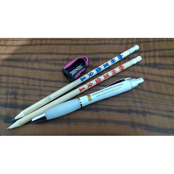 Σετ δύο ξύλινα μολύβια + λευκό στυλό + ροζ ξύστρα