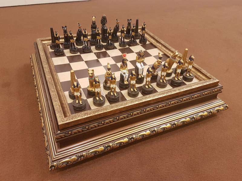 Italfama ιστορικό σέτ με θέμα Αρχαία Αίγυπτος και σκακιέρα πλακέτα με θήκη αποθήκευσης