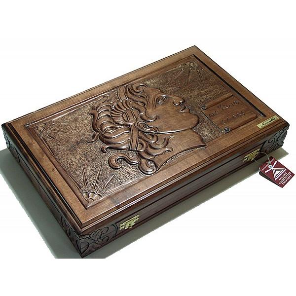 Τάβλι σκαλιστό με θέμα Μέγας Αλέξανδρος
