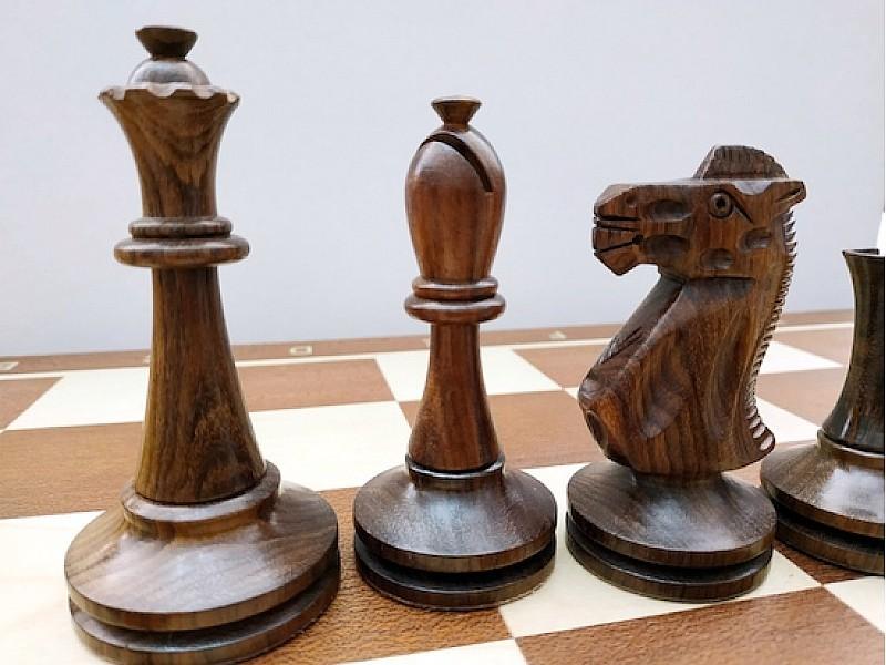 Ξύλινα πιόνια  Blackmore με ύψος βασιλιά  10 εκ. & ξύλινη κασετίνα φύλαξης