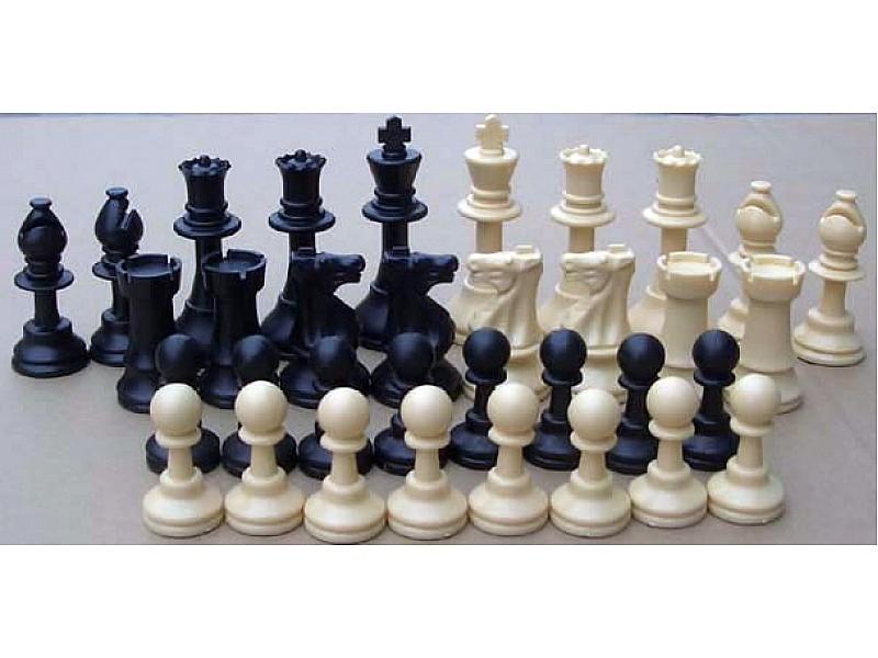 Σκακιέρα βινυλίου  50 Χ 50 μαζί με πλαστικά πιόνια (χωρίς βάρος) με ύψος βασιλιά 9.5 εκ. - 20 σέτ