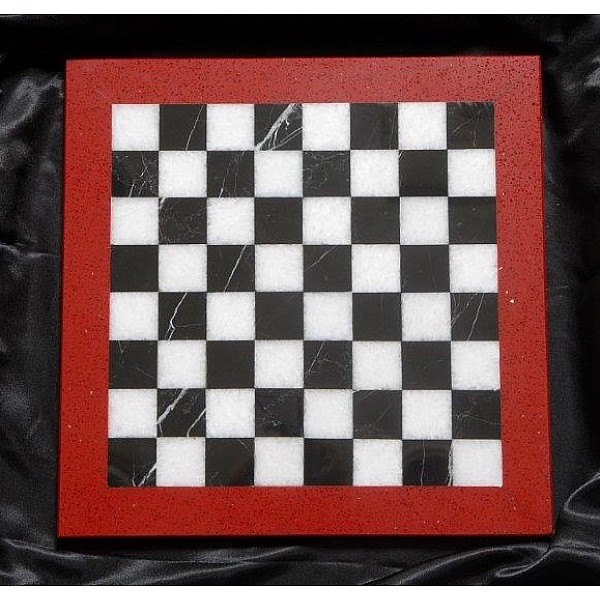 Assiana και Nero Marguina μαρμάρινη σκακιέρα  Διάσταση 40 X 40 εκ.