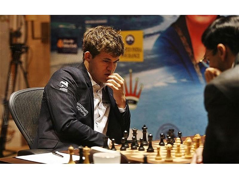 Ξύλινα πιόνια FIDE  για το παγκόσμιο πρωταθλήμα