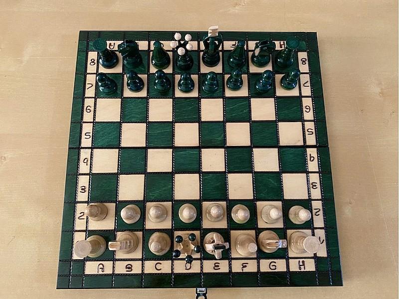 """Ξύλινη πράσινη σκακιέρα """"Lobos"""" glossy deluxe"""