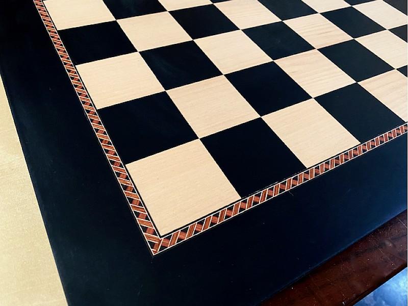 Σκακιέρα ξύλινα σε πλακέτα 50 Χ 50 εκ με μπορντούρα και καρέ τετραγώνου 5.5 εκ