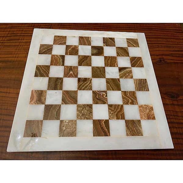 Σκακιέρα από όνυχα  38 Χ 38 εκ. (Χρωματισμός: καφέ - λευκό)