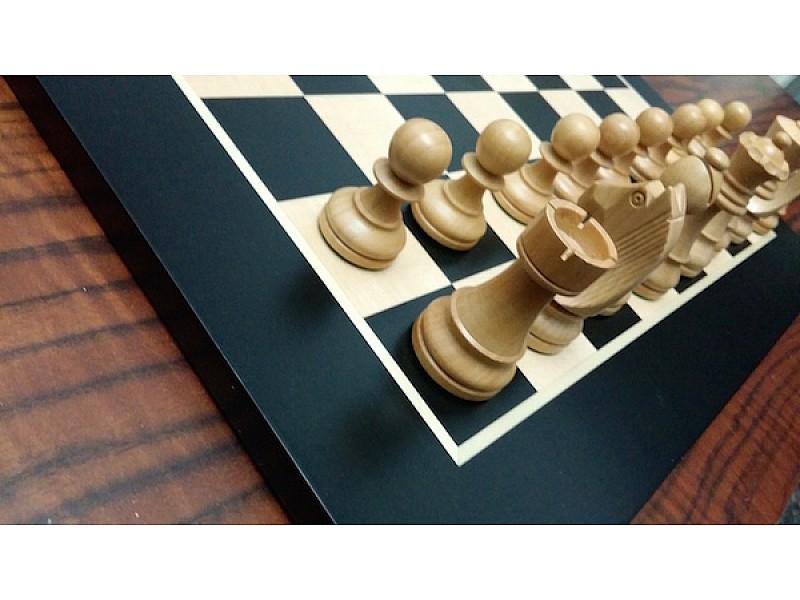 Σκακιέρα σε πλακέτα Sk2324