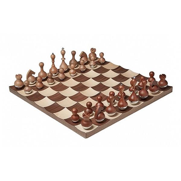 Wobble σκακιστικό σετ, σχεδιαστής Adin Mumma